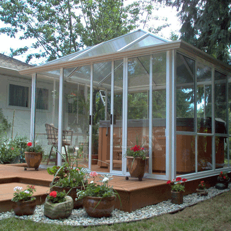 sunroom-hottub